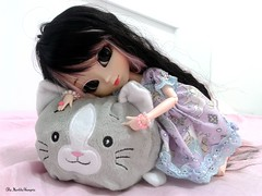 Presente  ( MarildaHungria ) Tags: helena pullip fanatica regenerationseries groove doll plush cat cute kawaii love lovely adorable