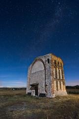 San Mams (Javier Rosano   Un poquito de fotografa) Tags: sony a7 a7ii ii canon 1740 iglesia ermita segovia portico sanmames cuellar estrella nocturna javierrosano makingof linterna flash cto