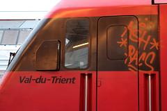 SBB Lokomotive Re 460 014 - 4 mit Taufname Val - du - Trient ( Hersteller SLM Nr. 5475 - ABB - Inbetriebname 1993 ) am Bahnhof Bern im Kanton Bern der Schweiz (chrchr_75) Tags: albumzzz201610oktober christoph hurni chriguhurni chrchr75 chriguhurnibluemailch oktober 2016 hurni161018 bahn eisenbahn schweizer bahnen zug train treno albumbahnenderschweiz2016712 albumbahnenderschweiz schweiz suisse switzerland svizzera suissa swiss re460 re 460 albumsbbre460 sbb cff ffs schweizerische bundesbahn bundesbahnen lok lokomotive chrchr chrigu