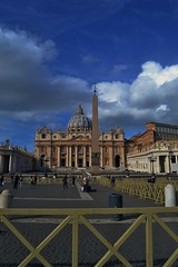 Piazza San Pietro (serenacs) Tags: roma rome citt del vaticano cittdelvaticano san pietro sanpietro italy italia church antic square piazza santo vatican city vaticancity sky blue clouds people squad world walking window europe european exploring trip town chiesa cattolica cathedral catedral vacation throwback travel travelling temple italian pictures photo photography photos public place ppl old out amazing art architecture autumn sun sunny flickr nikond3100 nikon me photograph