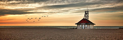 Leuty Lifeguard Station (Alex Bruce Photo) Tags: torontokewbeach lifeguardstation beaches birds sunrise sand clouds