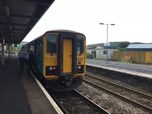 Class 153 DMU at Whitland railway station