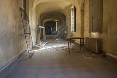 dustyHallway (FoKus!) Tags: dusty urbex ue eu europe left decay abandon abandoned abbandonato italy italie italia manicomio di r sanatorium
