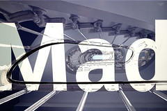 Mad... (libre comme l'R) Tags: escalier stairs mad fou graphique supeprosition