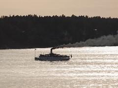 Fjords - Stockholm (PierBia) Tags: fjords stockholm stoccolma svezia fiordi battello barca fumo ship smoke fiordo scandinavia crepuscolo smoking