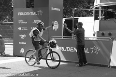 A high five for the commentator, Prudential Ride London 2013 (www.kevinoakhill.com) Tags: city people white black london classic bike bicycle race canon eos cycling high kevin ride expo oakhill weekend five capital 4th grand august racing prix cycle 7d third 100 fourth prudential 3rd 2013 ridelondon kevinoakhill prudentialridelondon