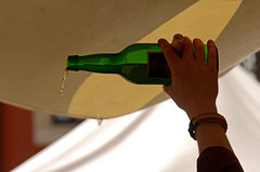 ASTURIAS 1683 copia (Cazador de imgenes) Tags: street summer espaa spain nikon streetphotography cider asturias verano streetphoto oviedo sidra espagne spanien spagna principado spanje spania cidre  spange 2013 d7000 apfelschaumwein