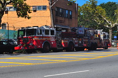 FDNY Engine 166 & Tower Ladder 86 (Triborough) Tags: nyc newyorkcity ny newyork engine firetruck fireengine ladder statenisland fdny bullshead seagrave richmondcounty towerladder graniteville newyorkcityfiredepartment engine166 ladder86 towerladder86