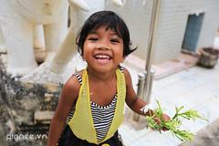 Siemreap Smiles (pinnee.) Tags: kids children pagoda kid asia cambodia southeastasia cambodian cambodians khmer khmerpeople child siemreap templecity kampuchea khmersmile khmersmiles asiaimages childreninsiemreap southeastasiaimages cityoftemples kampuchean cambodiansmile khmerppl pagodayard