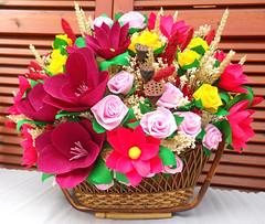 composizione floreale cesta primaverile_1