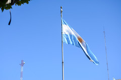 Argentina (alexhiroshi) Tags: argentina branco azul bandeira buenosaires flag plazademayo praademaio ef5