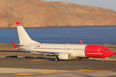 LN-NGP Boeing 737 Norwegian Airlines (GSairpics) Tags: lnngp boeing 737 b737 b738 b737ng b738ng ng norwegian airlines norwegianairlines lpa gclp las palmas laspalmas spain canary islands canaryislands travel transport aviation aeroplane flight graham gsairpics