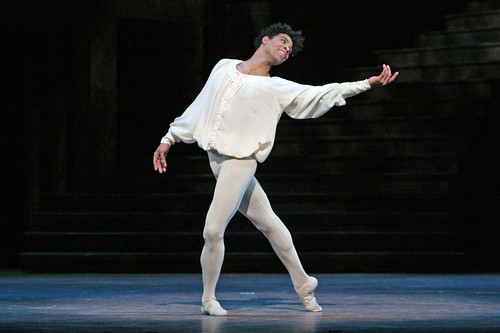 Carlos Acosta to sign copies of a new book chronicling his Royal Ballet career