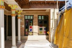 Niayesh Boutique Hotel, Shiraz シラーズ、ニヤシュホテルの中 (travelingmipo) Tags: travel photo iran persia silkroad shiraz 旅行 シルクロード 写真 شیراز イラン ペルシャ シーラーズ シラーズ ペルシア