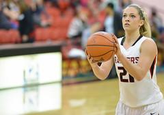 SOU Women's Basketball - Kristen Schoenherr (acase1968) Tags: lighting girls sports oregon lens photography nikon university free southern nikkor bb gym throw raiders 70200mm d600 f28g vrii