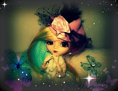 Madison (Wolkywii) Tags: pink hat rose glitter scarf butterfly rainbow doll dolls stock madison wig groove pullip blythe blanche dollz obitsu