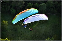 Vol du soir  Millau (lg-photographies) Tags: sky fly wind air wing ciel vol paragliding voile millau parapente aveyron