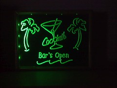 07 Green light for green lights (CabbitCastle) Tags: glass bar diy acrylic glow open drink led engraving dremel plexi