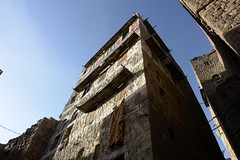 yem_0140 (Peter Hessel) Tags: yemen haraz towerhouse traditionalarchitecture traditionalhouse jemen harazmountains lakamatalqadi