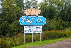 Betty's Pies, Two Harbors Minnesota (Cragin Spring) Tags: bettyspies sign mn minnesota hwy61 pie midwest unitedstates usa unitedstatesofamerica rural pasties twoharbors