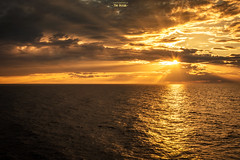 The Ocean (Fredrik Lindedal) Tags: ocean sunlight sunrays skyline light lightsinmotion glow sky water sweden sverige visitsweden sun seascape sea nikon fredriklindedalse harmony happy serene sunset orange wow colorfull colors yellow
