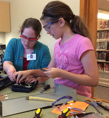 Georgetown Branch Maker Lab - Altered Electronics (ACPL) Tags: fortwaynein acpl allencountypubliclibrary georgetown geo makerspace makerlab alteredelectronics 2016