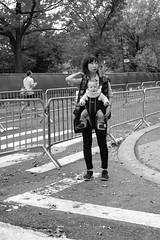 XT1-11-01-15-95-2 (a.cadore) Tags: fujifilmxt1 fujifilm xt1 zeissbiogon28mmf28 biogont2828 zeiss carlzeiss newyorkcity nyc uptown uws centralpark nycmarathon marathon candid blackandwhite bw