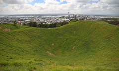 volcano city (Paul J's) Tags: auckland landscape mteden volcano volcaniccone mtedendomain