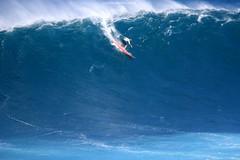 IMG_2977 copy (Aaron Lynton) Tags: surfing lyntonproductions canon 7d maui hawaii surf peahi jaws wsl big wave xxl