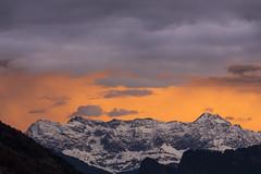 F(h)n (Armin Mathis Fotografie) Tags: schweiz switzerland graubnden weather wolken fhn wind rtkon schesaplana morgenrot