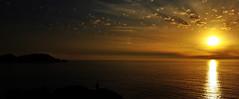 Atardecer en Cabo Home (mlalmorox) Tags: atardecer sunset sun sol tarde anochecer galicia espaa spain landscape horizonte paisaje mar sea coast costa seashore paz calma calm peace