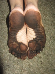 IMG_0007 (Elizabeth Townsend) Tags: dirty feet soles filthy black gre oily female