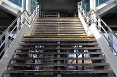 Le dgueuloir (antonin_remond) Tags: old station train gare platform quai attente palaiseau massy d90 massypalaiseau nikond90 rmond vetuste antoninrmond