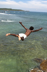Geronimo (Photosightfaces) Tags: ocean man fall jump indianocean dive diving sri lanka diver srilanka galle leap srilankan lankan geronimo plummet gallefort