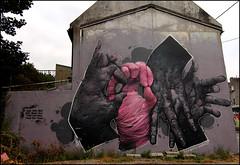 Bom.K (DMV) (Chrixcel) Tags: house streetart france graffiti hands tag bretagne brest graff maison mains dmv pigon lettrage bomk damentalvaporz