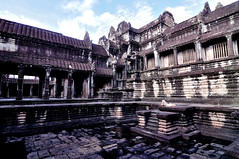 Angkor Wat (Andreas Mezger - Art Photography) Tags: sky berlin rot andy water beautiful dave wonderful germany landscape temple bavaria photography amazing nice nikon kitten asia asien cambodia kambodscha sdostasien stuttgart nirvana south great sigma images andreas best east tokina professional business most siem reap excellent buy getty worst manual nikkor angkor sell wat better nofx impressive andi ost gettyimages highest kant grohl d300 sd junip d90 mezger superlativ andreasmezger