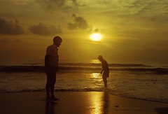 Elliot beach (Sougata2013) Tags: sea people india beach water sunrise golden chennai tamilnadu goldenhour bayofbengal localpeople elliotbeach seabeach vision:sunset=0864 vision:clouds=0752 vision:sky=0817