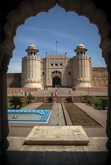 Lahore Fort (Azarbhaijaan) Tags: camera pakistan sky gate fort bluesky lahore qilla pakistaniphotographer pentaxk10d azharmunir drpanga