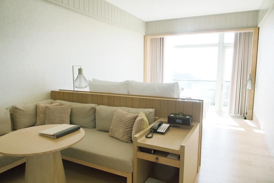 Room043.JPG