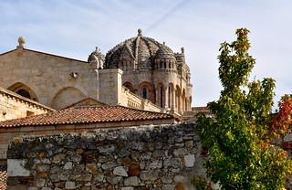 Detalle de la cúpula de la Catedral de Zamora (exterior).
