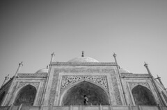 Taj (Madhusudanan Parthasarathy) Tags: blackandwhite up architecture mono nikon sigma taj tajmahal agra grand mosque unesco 1020mm prespective uttarpradesh unescosite grandness d5100 madhusudananparthasarathy