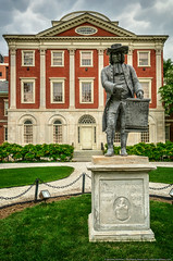 Penn Charter (mhoffman1) Tags: sculpture statue gardens hospital cloudy overcast historic medical penn medicine philly benfranklin hdr charter buttonfly williampenn historiclandmark photomatix benjaminrush colorefexpro a7r firsthospital pinebuilding pennmedicine