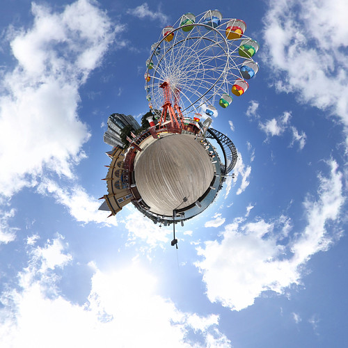 Luna Park Sydney - Little Planet