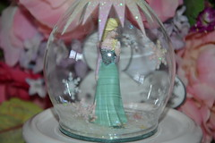 Ornament Elsa (MissLilieDolly) Tags: winter anna cold de la olaf frozen suspension princess hiver hans disney des collection ornament marshmallow dolly miss sven reine froid elsa lilie duc princesse neiges kristoff guimauve oaken weselton missliliedolly