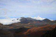 Volcanic view (BattysGambit) Tags: 2016 usa hawaii hawaiian holiday maui fall clouds magnetic peak volcano dormant haleakal national park 10000 feet cinder cindercone martian landscape mountain canon dslr 7d