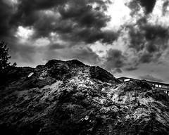 (Nico_1962) Tags: leica m240 nederland wolken clouds lucht sky zwolle summarit monochrome blackandwhite bw zwartwit rangefinder manualfocus leicam summarit35mm primelens thenetherlands dutchsky