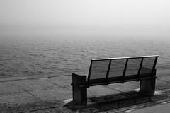 Banco (desembocadura del ro Limia) (pbernalmac) Tags: banco bench mar sea vianadocastelo portugal fog niebla rolimia desembocadura rivermouth