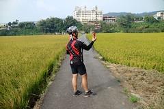 關西市區.Kevin 男人的可樂 (nk@flickr) Tags: friend taiwan hsinchu cycling 新竹 20161105 台湾 kevin guanxi 台灣 關西 canonefm22mmf2stm