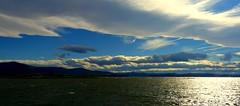 Foto 900 (alfonsocarlospalencia) Tags: baha santander cantabria sur 3d verde azul horizonte profundidad montaas nubarrones silencio luz