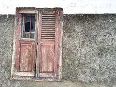 (yanitzatorres) Tags: morocco casablanca marruecos pared abandonado viejo roto madera vidrio cristal ventana